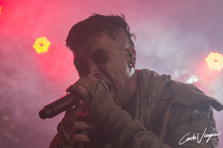 starset_reggio emilia_13_06_2019 Starset Reggio Emilia Italia Infest Fuori Orario One Person Lifestyles Real People Sky Portrait Sunset Leisure Activity Young Adult Young Men Headshot Nature Smoke - Physical Structure Warning Sign Sign Looking Bad Habit Communication Warm Clothing