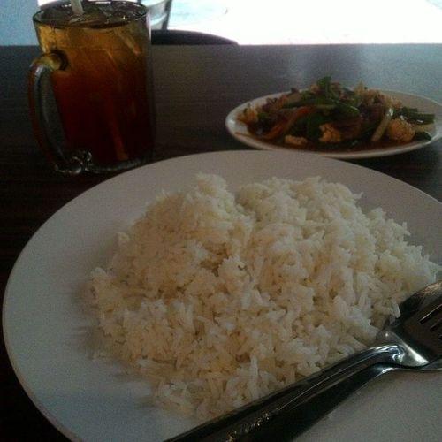 Jemput Makan semua ....Restoran jalan Bayam Nasiputih Dagingpaprik Tehoaislimau Restoranjalanbayam