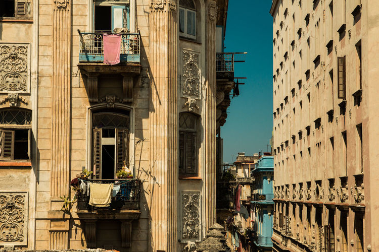 Architecture Building Exterior Built_Structure City Clear Sky Cuba Day La Habana No People Outdoors Residential Building Fresh On Market 2017