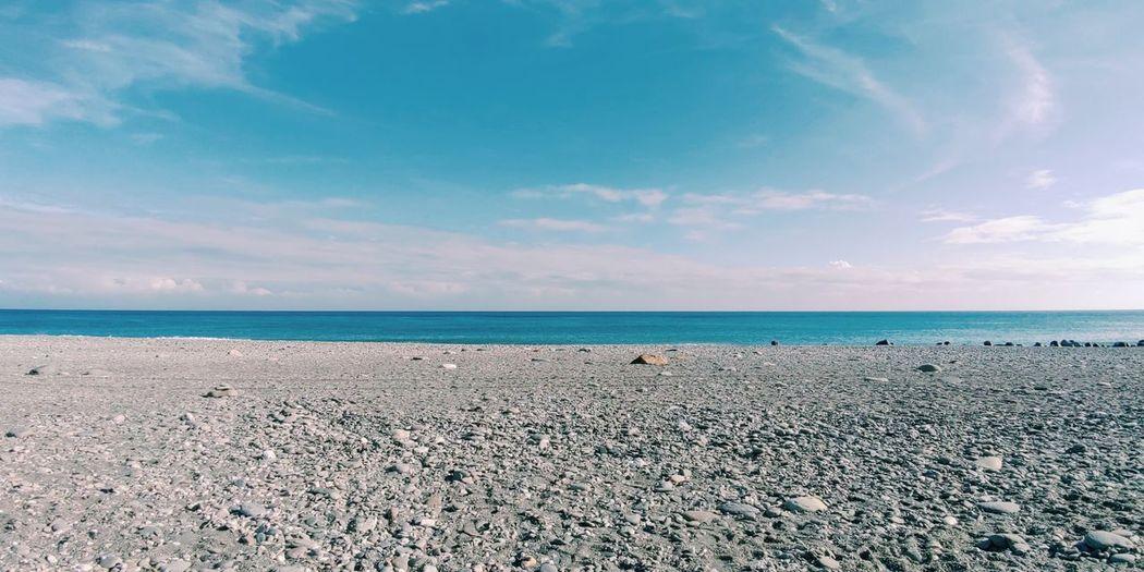 在東部的海邊,放空。 Water Sea Beach Sand Sky Horizon Over Water