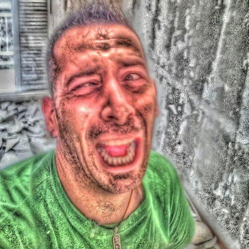 Momento estatico cuando alguien te hace una foto y te pega una patada en los jigins! Dolormaximosuperlevel Silosenomehagolafoto Dolornolosiguiente Momentostandbay Deshuevado Frikisuperlevel Barcelonacity Funny Face