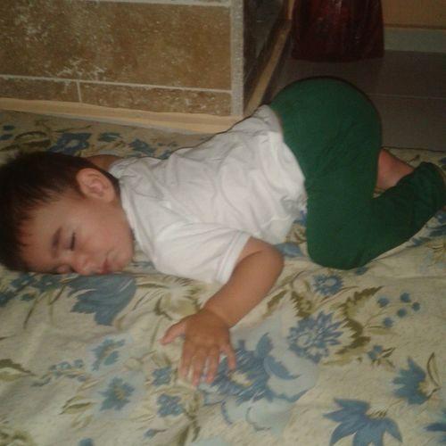 Oğluşumun Uyuma şekli