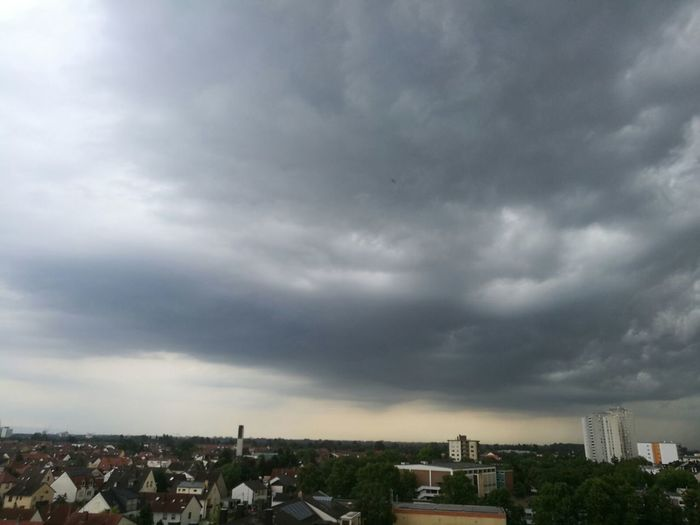 Hello World Rheinland-Pfalz  Hi! In Germany Clowdy Sky Amaizing Clouds Thunderstorm Shower Time !