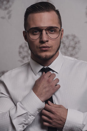 Matúš Fujifilm Fujifilm_xseries Xpro2 Slovakia🇸🇰 Man Fashion Glasses Businessman Portrait Well-dressed Men Suit Collar Business Eyeglasses  Males  Vanity
