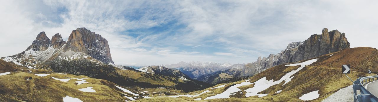 The Mountains of the Dolomites are really amazing. 💕 Edge Of The World Panorama Beautiful View Amazing View Landscape Iphoneonly IPhoneography
