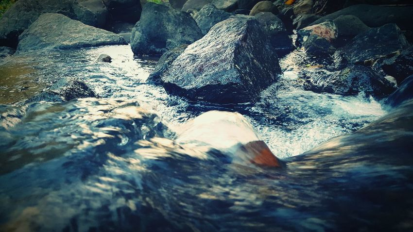 Flow to live (samsung s6 shot) Water Motion Rock - Object Flowing Stream Nature Beauty In Nature Scenics Purity Waterfront Day Flowing Water Full Frame Water Surface Power In Nature Outdoors Freshness Tranquility Splashing Rock