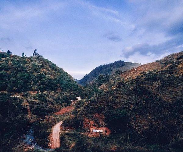 Travelling through inland Honduras. • • • 📷 👉🏻 Vince_in_Honduras 🇭🇳 • • • Voir du pays au Honduras. - HondurasPost | @HondurasPost HondurasTips | @HondurasTips 🎈👻 VisitHonduras Honduras -