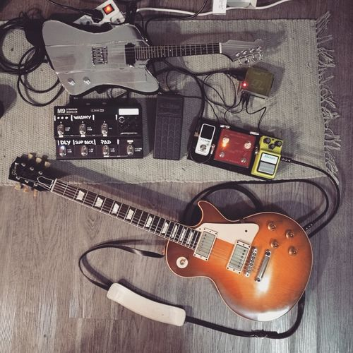 First Eyeem Photo Guitar Guitarist Gibson Les Paul Gibsonguitars Pedalboard Noisemaker HuaweiP9