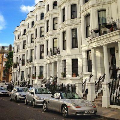 Silver cars of #kensington ????☀#aauk #allshots_ #alan_in_london #gf_uk #gang_family #igers_london #insta_london #london_only #thisislondon #ic_cities #ic_cities_london #ig_england #love_london #gi_uk #ig_london #londonpop Igers_london Ig_england Love_london Ic_cities_london Gang_family Ig_london Kensington Aauk Londonpop Allshots_ London_only Ic_cities Gf_uk Alan_in_london Insta_london Thisislondon Gi_uk