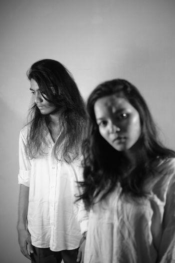 Friendship Young Women Portrait Women Standing Studio Shot Long Hair Waist Up Posing Fashion Model Monochrome