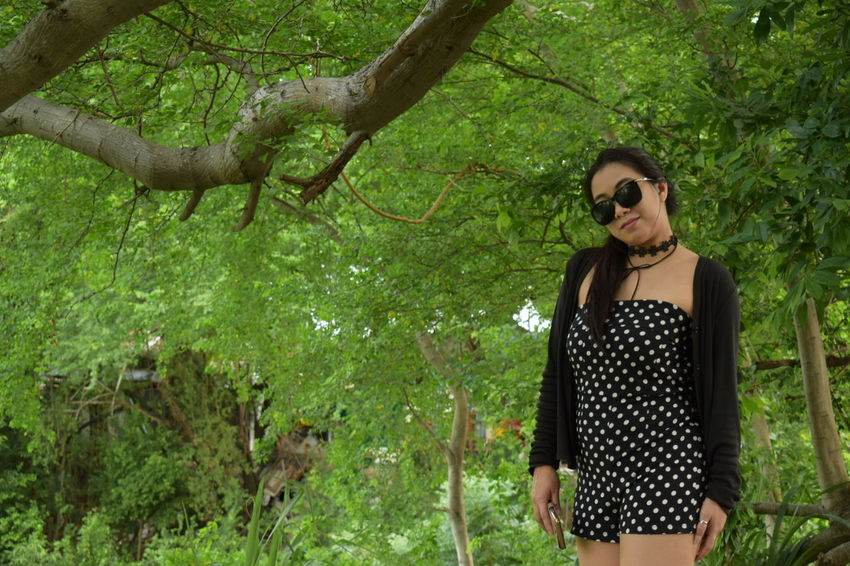 Portait Tree One Person Sunglasses Young Adult Standing Green Color Young Women Nature Outdoors One Woman Only Adult Only Women Casual Clothing Day One Young Woman Only Women Beautiful Woman Beauty Girl Beauty Of Nature Model - Object Chonburi ,Thailand The Week On EyeEm