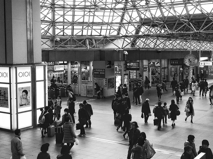 Commuters Train Station Kokubunji Tokyo Japan Travelphotography EyeEm Gallery Eyeem Photography EyeEM Tokyo EyeEm Japan EyeEm Bnw Bnw Bnw_captures Bnw_collection Bnw_planet Bnw_worldwide