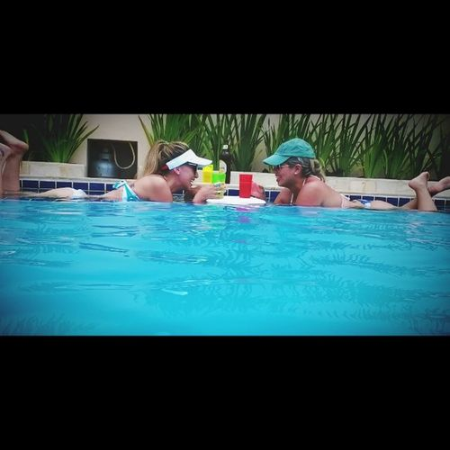 Cancun com a B1 ❤ É muito amor!! Pool Beers Timtim CarnavalBBB friends mereçemos