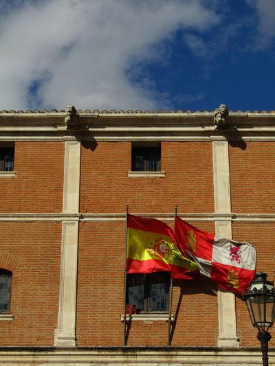 Flag Fahne Kastilien Und Leon Castilla Y León Burgos SPAIN Spanien Built Structure Building Exterior Architecture Wall Wand