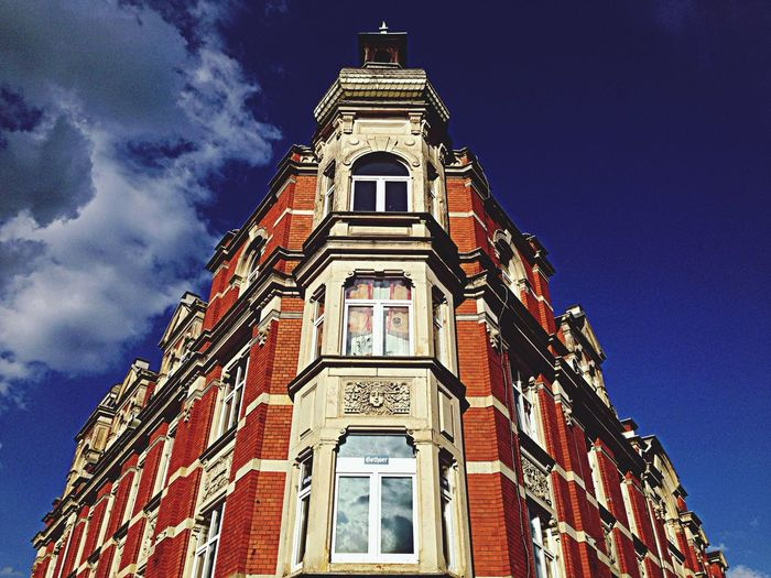 Eckhaus Architecture