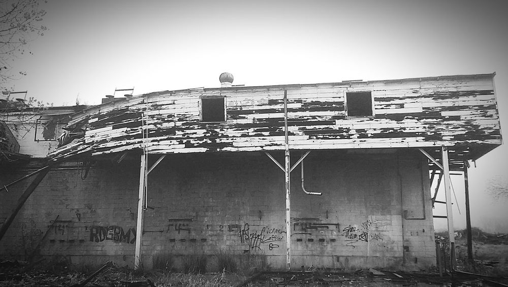 EyeEm Abandoned Abandoned Buildings Abandoned Mill Burned Out Burned Fire Creepy Falling Down Graffiti Overgrown Black And White EyeEm Best Edits Eye4photography  EyeEm Gallery Norcal Northern California Precarious Eyeem Black And White