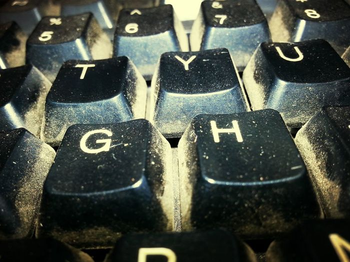 ewwwwww yuuucckk..stay the school keyboard