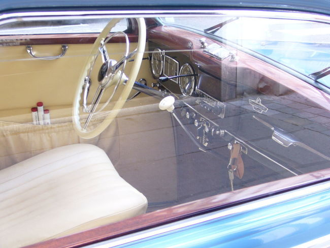 ImmaculateInterior Design Interior Decorating Interior Detail Mercedes 170s 170 S Classic Car Austria Old Timer Old Time Classics Old Car Mercedes Taking Photos Car Detail Car Decor Transportation Hidden Gems  light and reflection Art Is Everywhere
