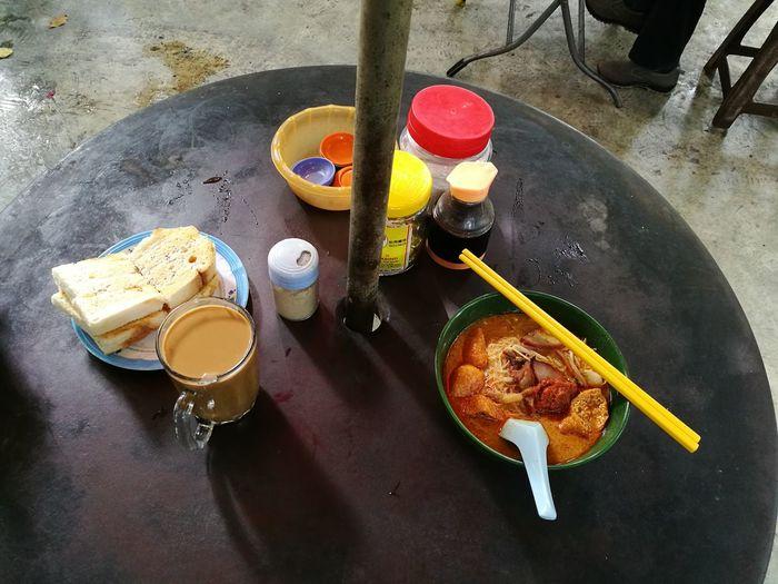 Classic Breakfast Titiwangsa Laksa Toast And Coffee 大排档