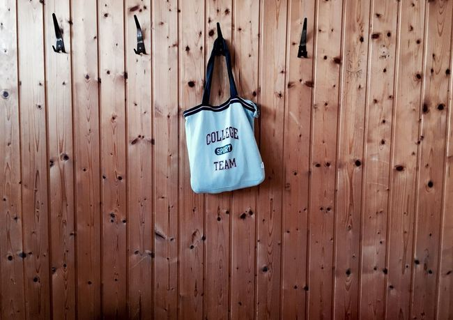 Sport Hanging Wood - Material No People Bag Sports Clothing Sportbag Indoors  School PE Class Girl Girl Power Girlish Shadows School Life  School ✌ Sport Time Training Wall Wooden Wood Close-up Love Sports Girly College