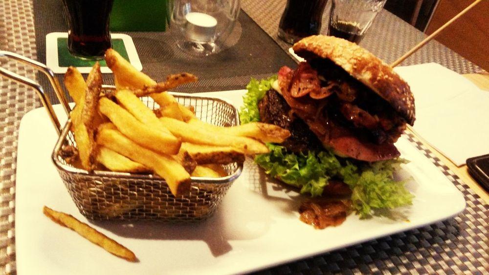 lecker Hamburger von Tasch