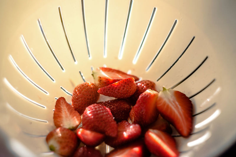 do u feel the summer vibes? Blur Blurry Close-up Eye4photography  EyeEm Gallery Food Food Photography Foodphotography Freshness Fruit Healthy Eating Light And Shadow No People Ready-to-eat Red Strawberries Strawberry Summer Vibes Sunrays Translucent