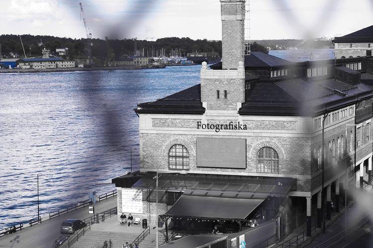Stockholm une ville très photogenique Fotographiska Museum Blackandwhite Streetphotography Blue Photo Aroundtheworld Stockholm
