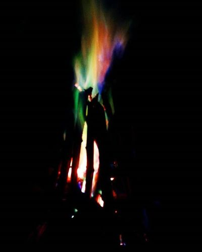 Colorful flames!Flames Bonfire Bonfirenight Fire Chillyweather  Chillynight Coldbreeze Foggynight Night Kodaikanal Beautiful India South Southindia _soi Instatravel Travel Tamilnadu Traveljournal Pixelpanda_india Incredibleindia Picturesofindia Beautifulindia Hippieinhills Indiatravelgram desi_diaries indiaclicks colorfulflames