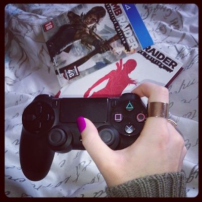 Dayoff PS4 Tombraider Asurvivorisborn
