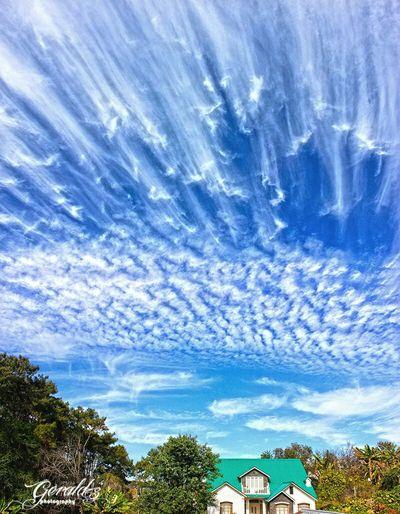 The wind is painting clouds in the sky. Taking Photos Sky And Clouds