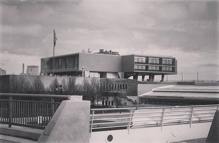 Milwaukee War Memorial. Designed by Eero Saarinen and built in 1957. Architecturephotography Mke