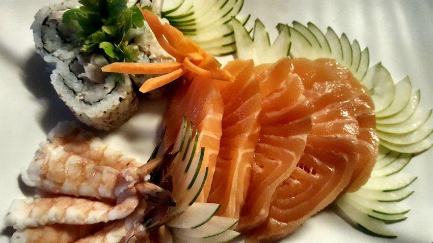 Sashimi de salmao e camarão Sashimi Sushi Food Dinner Shrimp! Salmon Sashimi