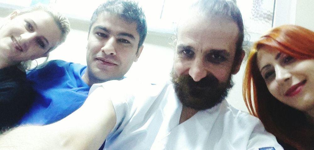 Nöbetten Nöbete Arkadaşlarla Acilservis Acilden Selfie ✌ Eyemshot Friends Friendship
