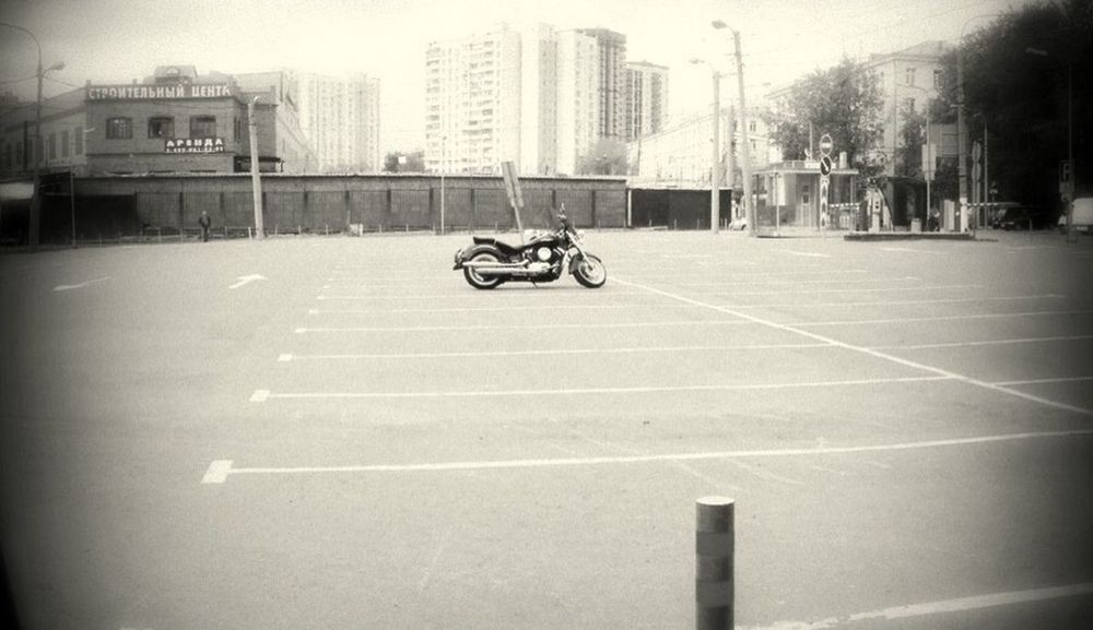 LIKE A BOSS Like A Boss Blackandwhite Monochrome Street View Chopper Bike Harleydavidson Biking Around Motorcycle Architecture Riding Ride Day Street Road Adventures In The City