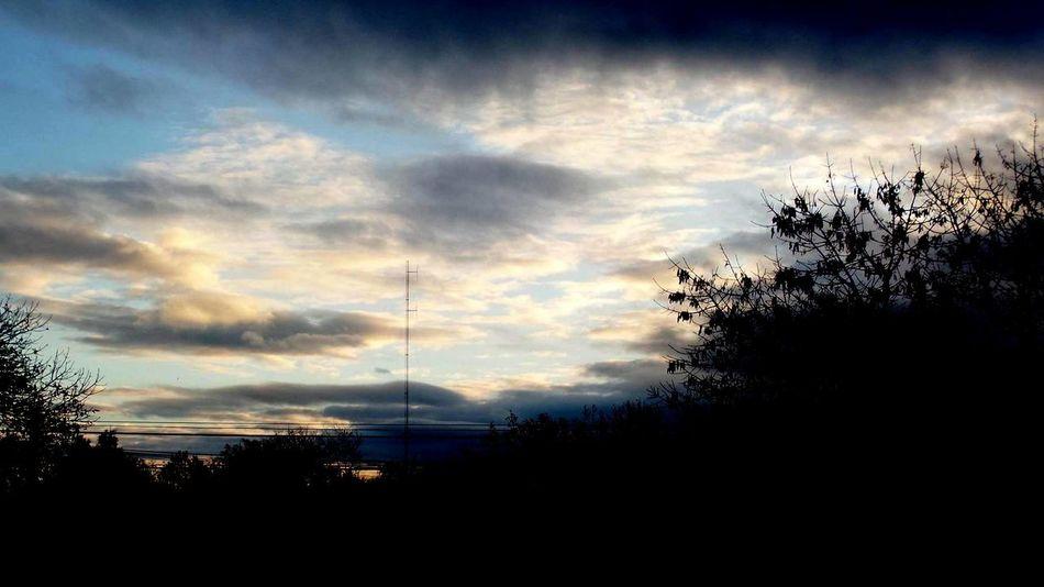 Atardecer hermoso. #atardecer #Beatifu #cloud #Nature  #Paisaje #photography Cloud - Sky No People Scenics Tranquility