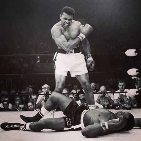 """And i quotes """"He's too ugly to be the World Heavyweight Champion, the World Heavyweight Champion should be pretty... Like me."""" - Muhammad Ali - MuhammadAli CassiusClay ."""