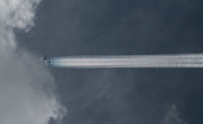 Air Vehicle Airplane Cloud - Sky Contrail Day Flying Limited Limitededition Nature No People Outdoors Rumbo Sky Transportation Vapor Trail Adventures In The City A New Beginning Capture Tomorrow