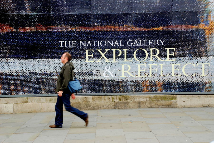 London National Gallery Of Art Architecture Casual Clothing Day Full Length Graffiti Lifestyles One Person Outdoors People Real People Text