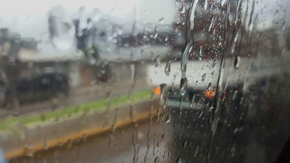 Rain Raining Window Thinking Relaxing View Drops Of Rain Drops On Glass Window Reflections Windowraindrops Driving Traveling Thinkingoutloud Rain Day Raindrops