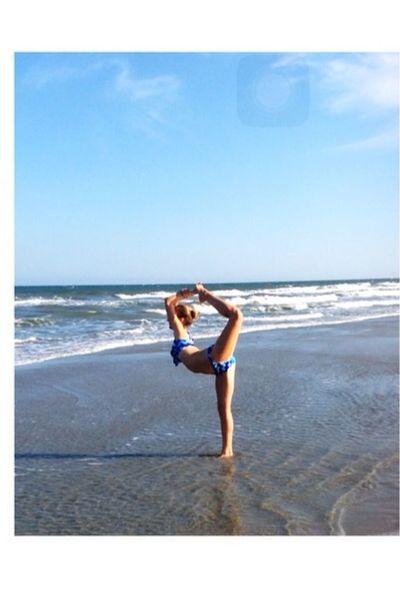 Summer at the beach 😍🌊✌️ Summer Tan Skin EyeEm Best Shots Selfie ✌ Photography Model Beach Beach Body Inspiration That's Me