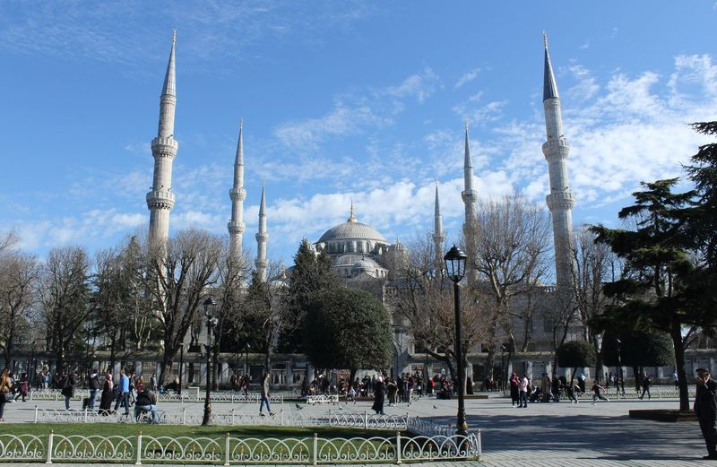 Sultan Ahmet Mosque from Sultan Ahmet Square Square Sultan Ahmed Mosque Sultanahmet Architecture Building Building Exterior Built Structure City Outdoors Place Of Worship Religion Sky Sultan Ahmet Square Sultanahmetcamii Tourism Travel Travel Destinations