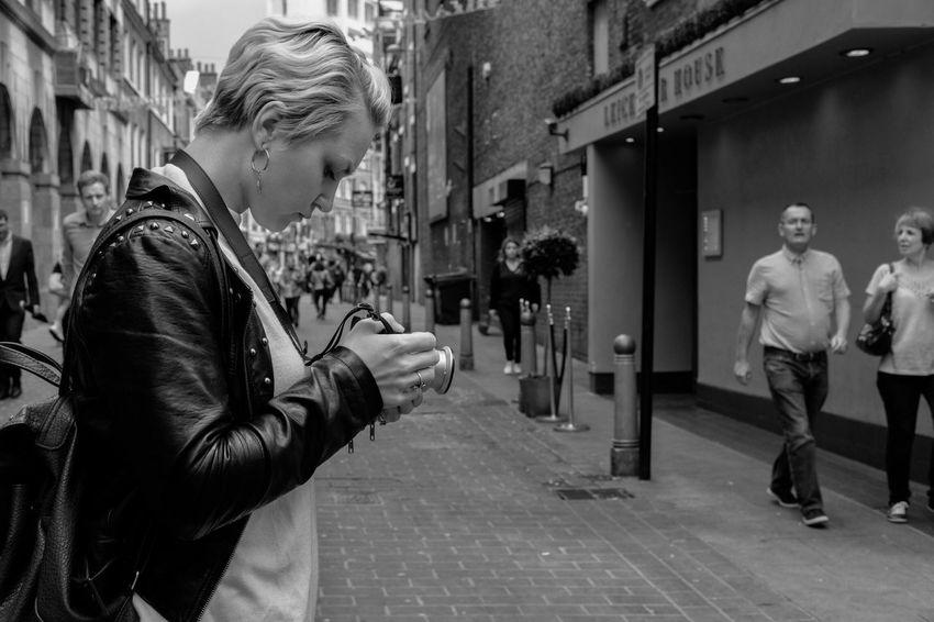 Fujifilm Xpro2 EyeEm London Eye4photography  EyeEm Best Edits EyeEmBestPics EyeEm Best Shots EyeEm Gallery Showcase June Feel The Journey Streetphotography Street Photography Up Close Street Photography Monochrome
