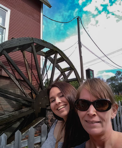 Cider Mill Cidertime Togetherness Smiling Carousel Headshot Happiness Young Women Portrait Sunglasses Big Wheel EyeEmNewHere Urban Fashion Jungle #urbanana: The Urban Playground Summer In The City A New Beginning