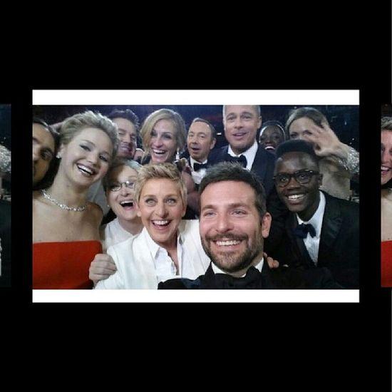Most Epic Selfie Lupita nyongo'o jennifer lawrence ellen degeneres meryl streep julia roberts angelina jolie lupita's brother bradley cooper brad pitt kevin spacey jared leto liza minelli hiding behind