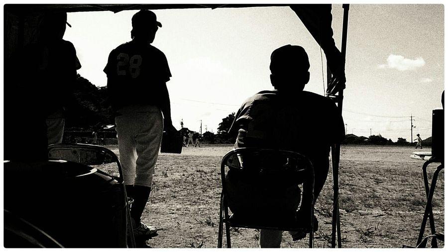 ツラい展開。子ども達は、頑張っている。しかし、相手は強すぎる…。 Taking Photos Enjoying Life EyeEm Japan 少年野球 Black And White
