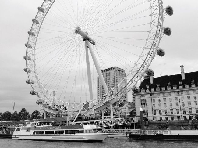 -London Eye at mornig with bad weather :( London London Eye River River View Morning Weather Ship