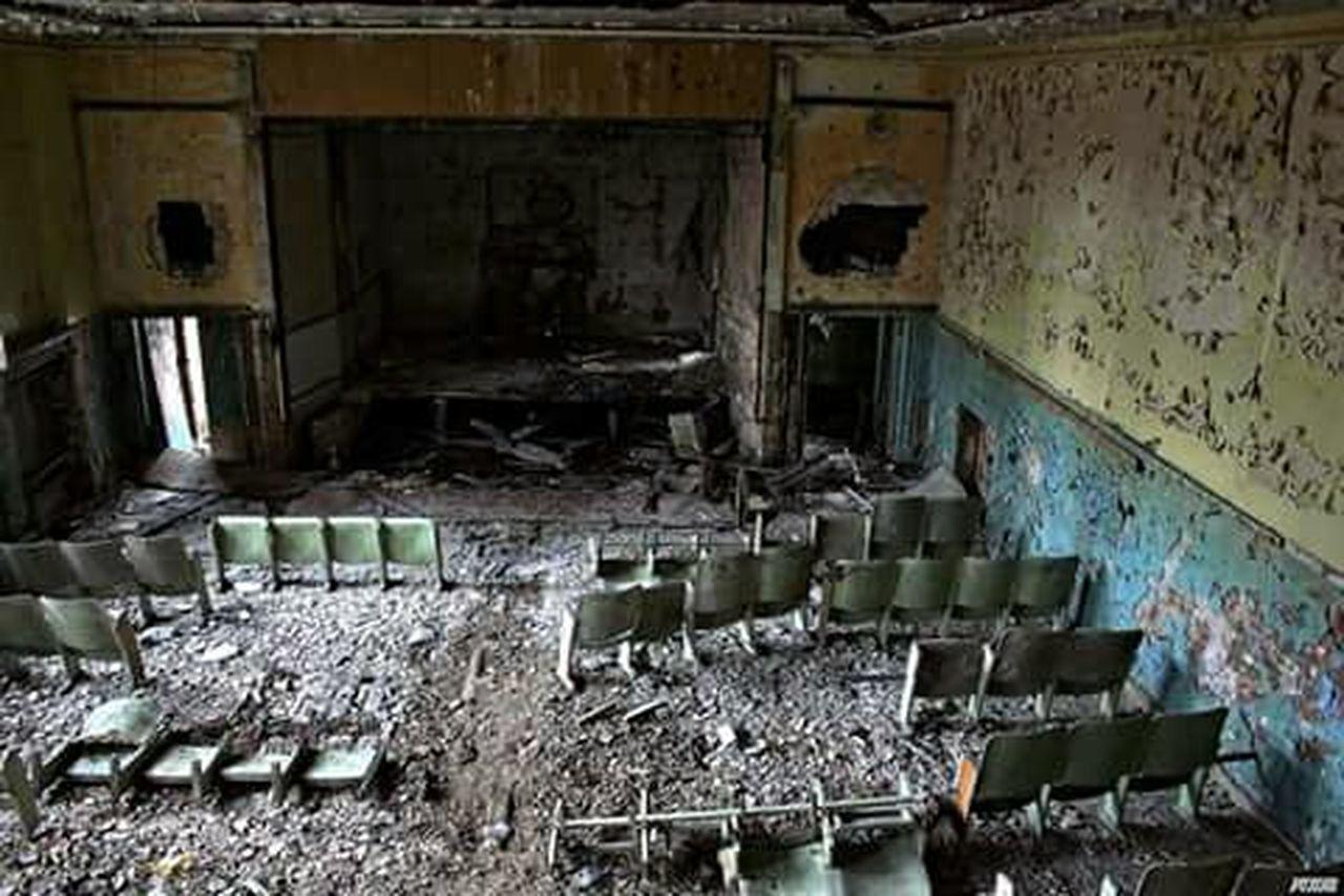 abandoned, damaged, destruction, indoors, no people, day
