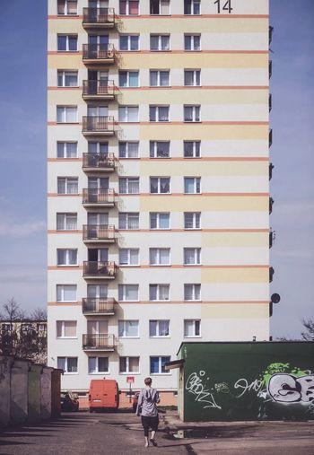 Minimalism WeekOnEyeEm Residential Building Block Concrete Socialist Architecture Modernism Architecture_collection Architecture Built Structure Low Angle View