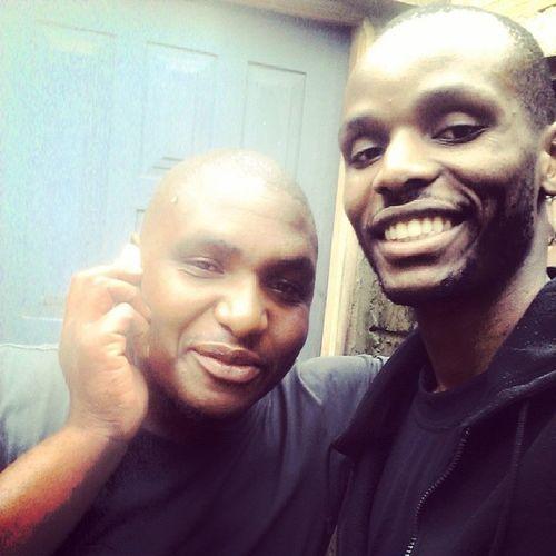 Yah os soldados mais corridos da Matola T3. Me (@wizzywmg) & Banito.