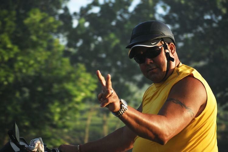 Show some respect!! ✌ Motorist Motorista Cubano Chino Cuba